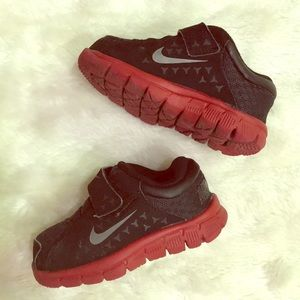 Black and red toddler [Nike] sneakers